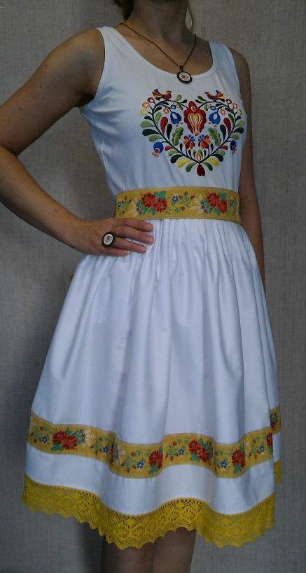 Biela sukňa s krajkou vytvorená presne podľa vás vhodná na dennodenné nosenie | PARTA