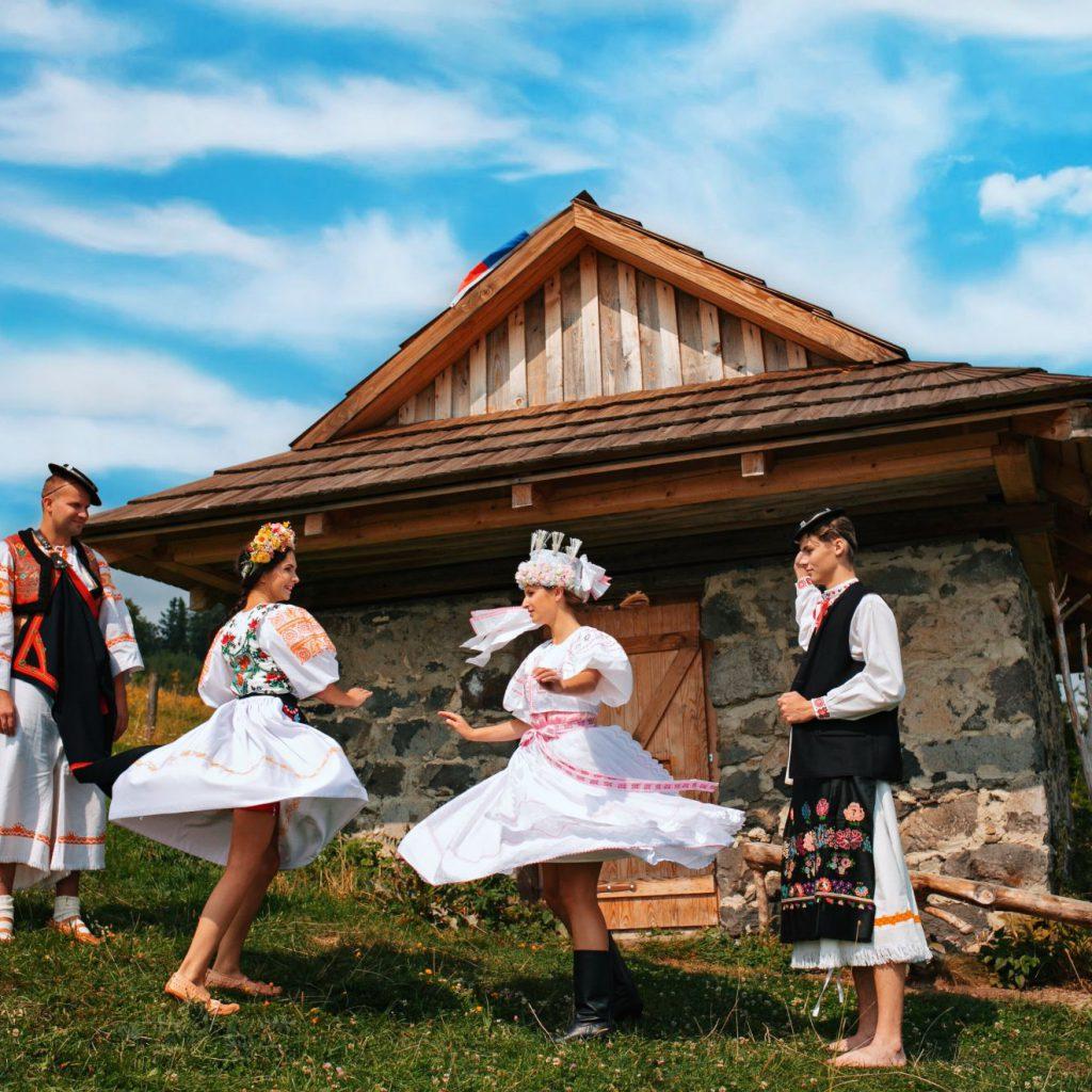 Folklór pod Poľanou